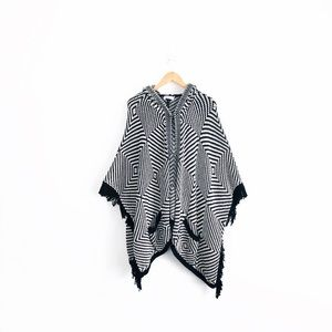 Closed Fringe Cardigan Poncho